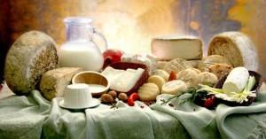"""I latticini, in particolare modo i formaggi stagionati e il burro, rientrano tra i cibi """"killer"""" del nostro seno."""